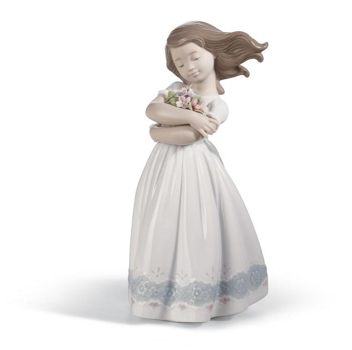 LladroTENDER INNOCENCEPorcelain Figurine