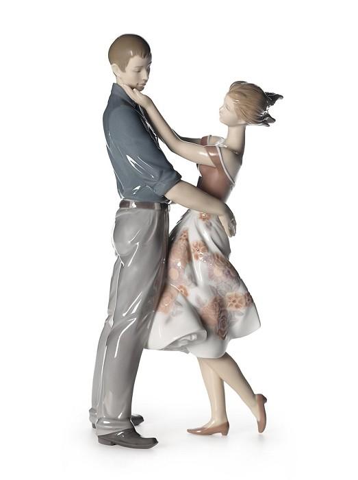LladroHappy EncounterPorcelain Figurine