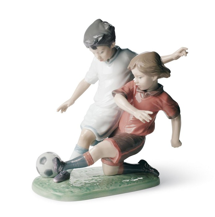 Lladro FAIR PLAY Porcelain Figurine