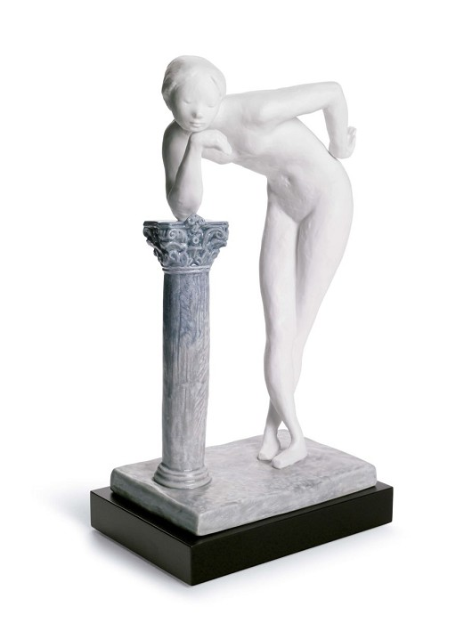Lladro A Woman's Pose Porcelain Figurine