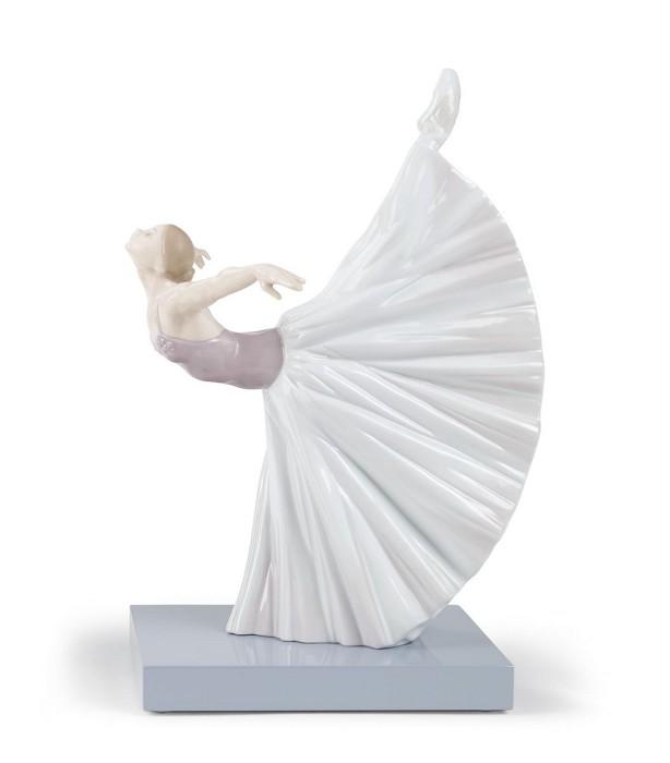 LladroGiselle Arabesque BalletPorcelain Figurine