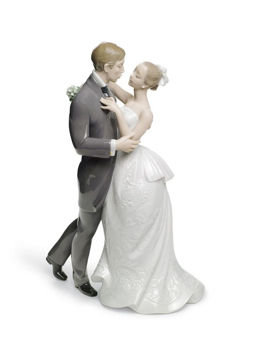 Lladro Lovers' Waltz Couple Porcelain Figurine