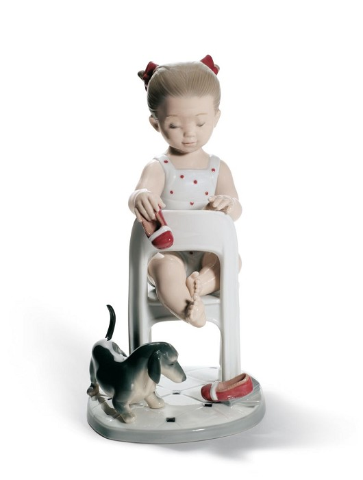 LladroFetch My Shoe!Porcelain Figurine