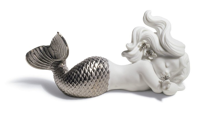 Lladro DAY DREAMING AT SEA (SILVER RE-DECO) Porcelain Figurine