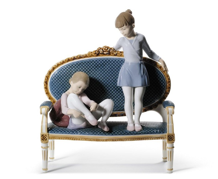 Lladro Ready for Practice Porcelain Figurine