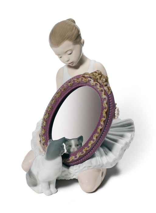 Lladro A Purr-Fect Reflection