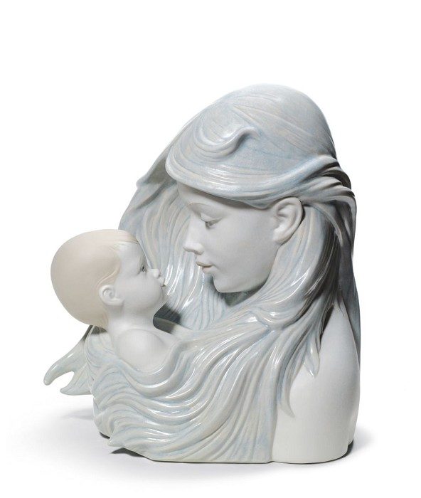 Lladro SWEET CARESS