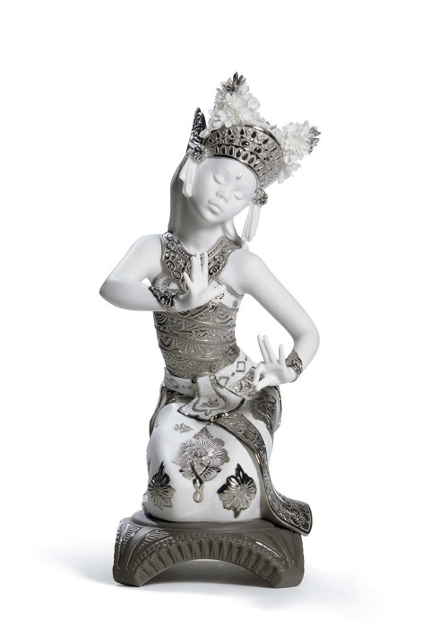Lladro Bali Dancer Kneeling (Re-Deco)