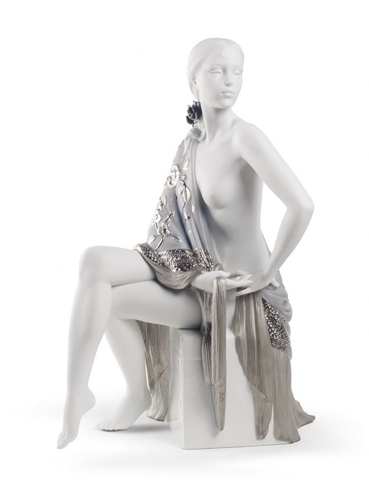 Lladro NUDE WITH SHAWL (RE-DECO)