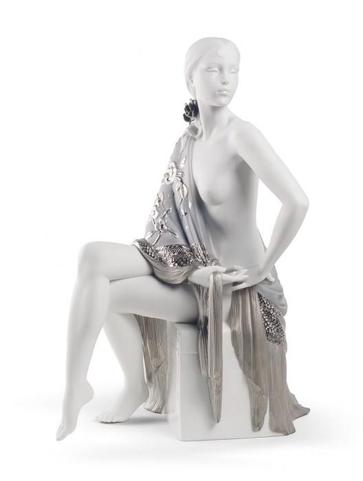 LladroNUDE WITH SHAWL (RE-DECO)Porcelain Figurine