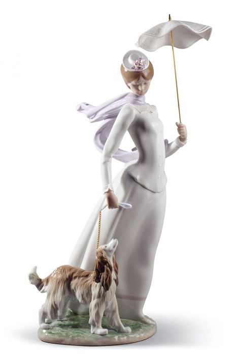 Lladro Lady With Shawl Porcelain Figurine