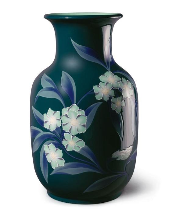 LladroBell Flower Vase GreenPorcelain Figurine