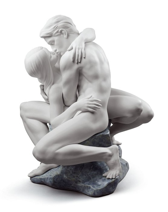 Lladro PASSIONATE KISS (WHITE) Mixed Media Sculpture