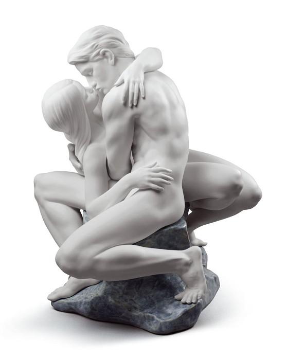 LladroPASSIONATE KISS (WHITE)