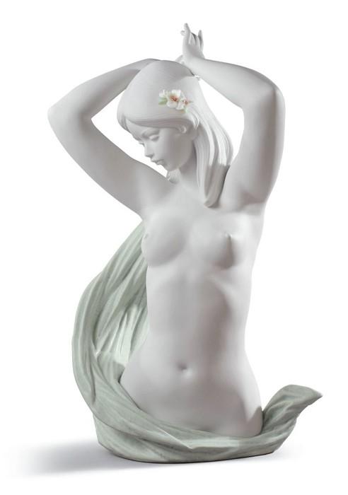 LladroVENUSPorcelain Figurine