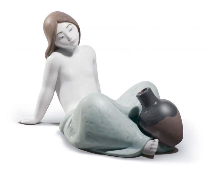 LladroAlidaPorcelain Figurine