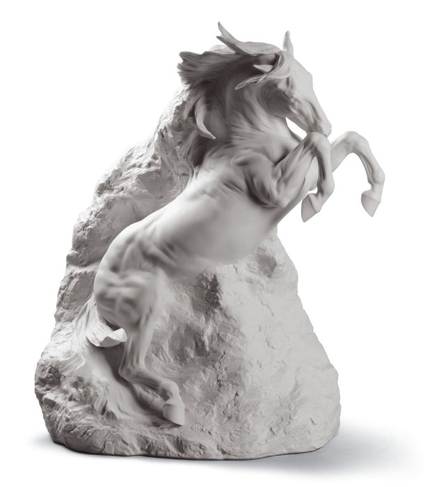 Lladro UNBREAKABLE SPIRIT