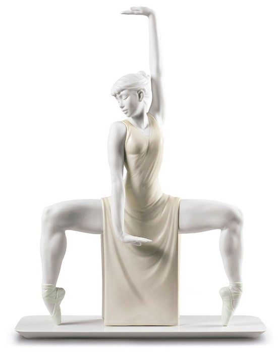 Lladro Contemporary Dancer Porcelain Figurine
