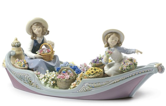 LladroFlowers ForeverPorcelain Figurine