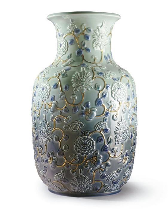 LladroPeonies Vase. Golden Lustre