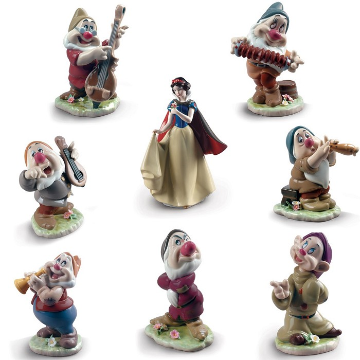 Lladro SNOW WHITE AND THE SEVEN DWARFS Porcelain Figurine