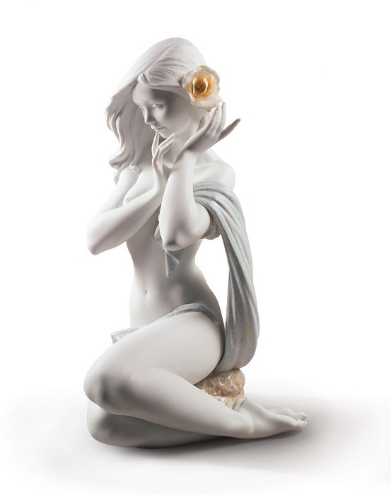 Lladro Subtle moonlight Woman White Porcelain Figurine