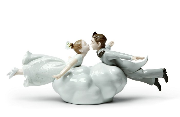 Lladro Wedding in the air Couple Porcelain Figurine