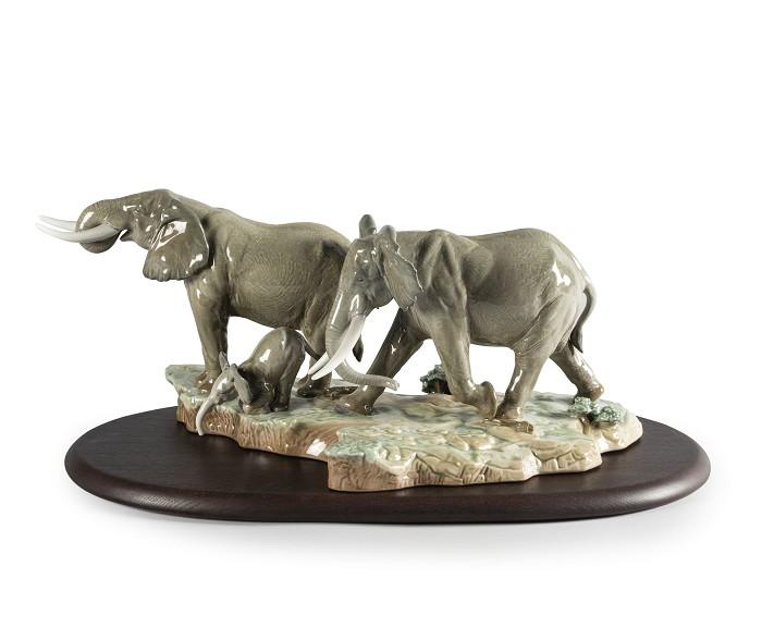 LladroA Stop Along The Way ElephantsMixed Media Sculpture