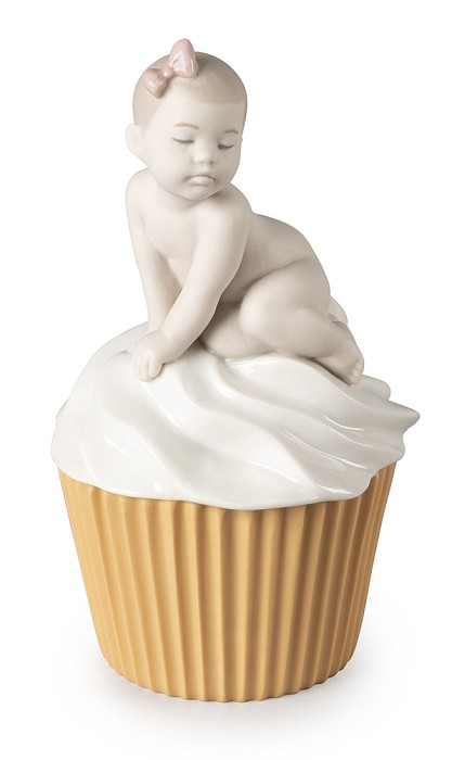 Lladro My Sweet Cupcake (Girl)