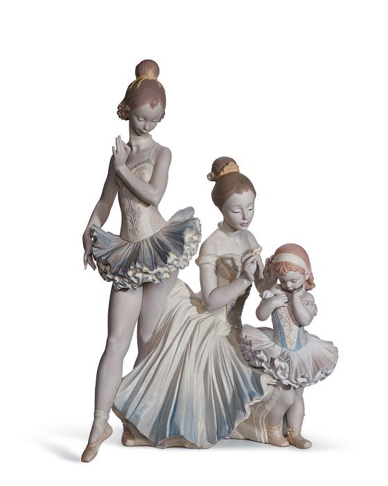 LladroLOVE FOR BALLETPorcelain Figurine