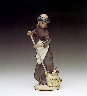 Lladro Afternoon Chores Porcelain Figurine