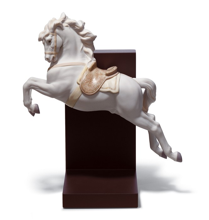 Lladro HORSE ON PIROUETTE Porcelain Figurine