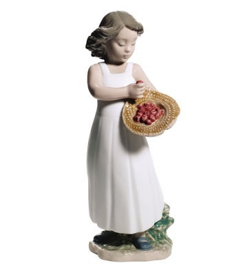 Nao Porcelain STRAWBERRY BONNET