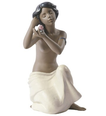 Nao Porcelain NUDE WITH FLOWER