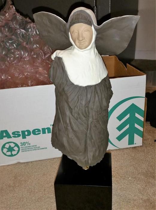 LladroNunGoyesca Porcelain Figurine