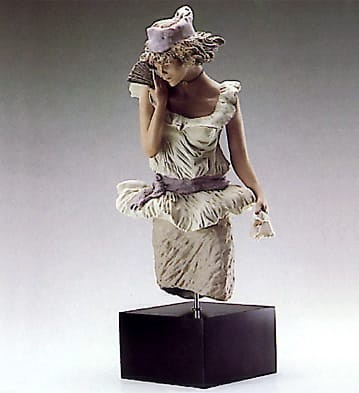 Lladro Young Lady With Fan Goyesca Porcelain Figurine