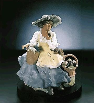 LladroFruitful HarvestGoyesca Porcelain Figurine