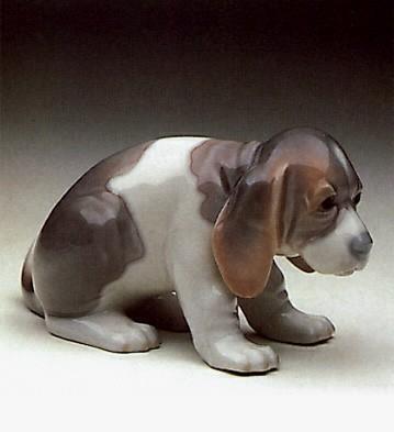 LladroBeagle Puppy Sitting 1969-90