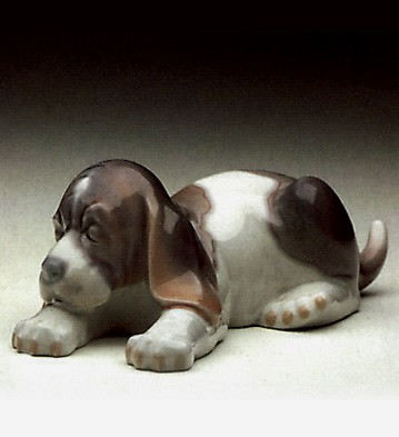 Lladro Beagle Puppy Lying 1969-91