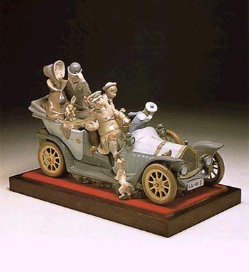 LladroAntique CarPorcelain Figurine