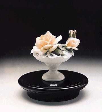 LladroFluvial Cup With Roses le500 1989-98Porcelain Figurine
