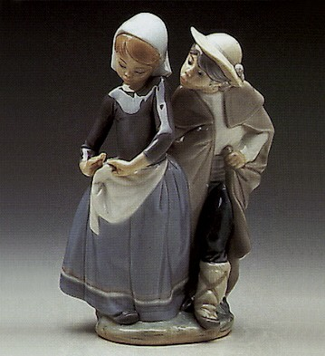 Lladro Little Couple Kissing 1972-89 Porcelain Figurine
