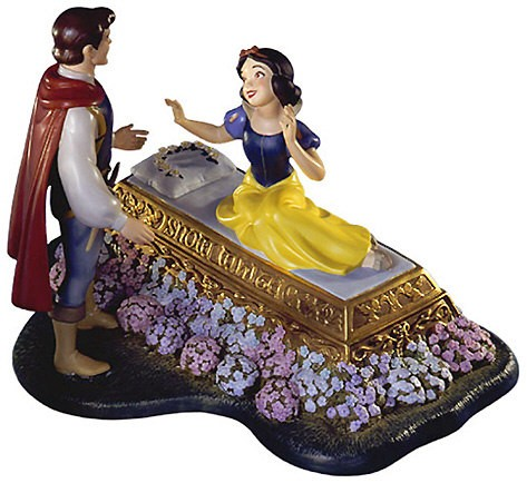 WDCC Disney Classics Snow White And Prince A Kiss Brings Love Anew