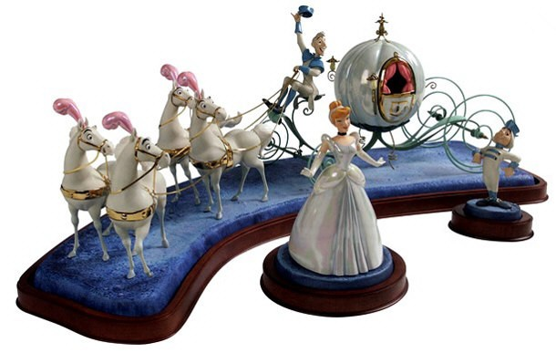 WDCC Disney Classics Cinderella & Coach Off To The Ball