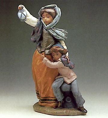 LladroWaiting for Sailor 1983-85Porcelain Figurine