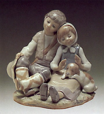 Lladro Friendship 1972-91 Porcelain Figurine