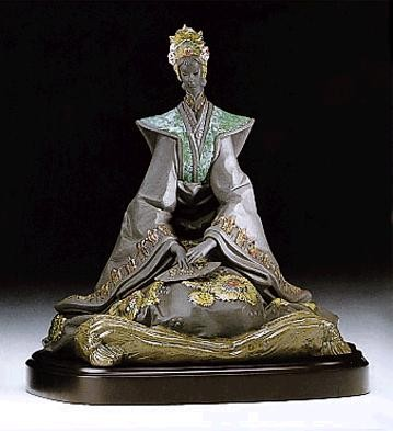 Lladro Empress with Base 1995-99 Porcelain Figurine