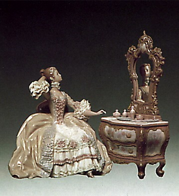 Lladro Lady at Dressing Table 1973-78