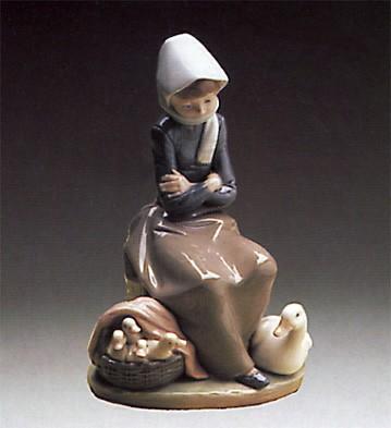 LladroGirl With Ducks - Duck Seller 1974-93Porcelain Figurine