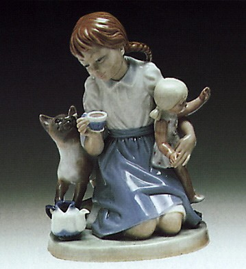 Lladro Childs Play 1974-83 Porcelain Figurine